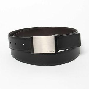 Calvin Klein reversible flat strap plaque Belt 40